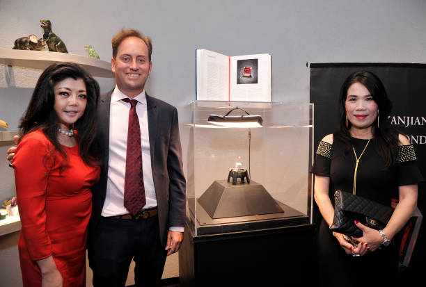 CA: A Feast of Magnificent Rare Jewels Presented by Kazanjian & Lordspek