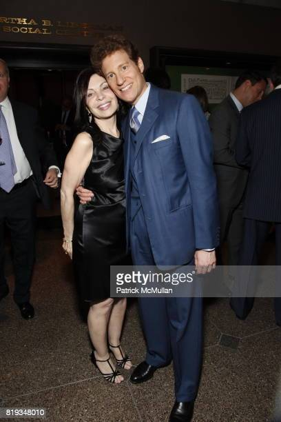 Cathy Marto and Thomas Kaplan attend 92nd Street Y Annual Spring Gala starring Barry Manilow at 92nd Street Y on May 17 2010 in New York