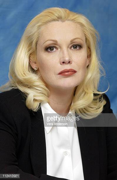 Cathy MoriartyGentile during Analyze That Press Conference with Robert De Niro Billy Crystal Lisa Kudrow Cathy MoriartyGentile and Harold Ramis at...