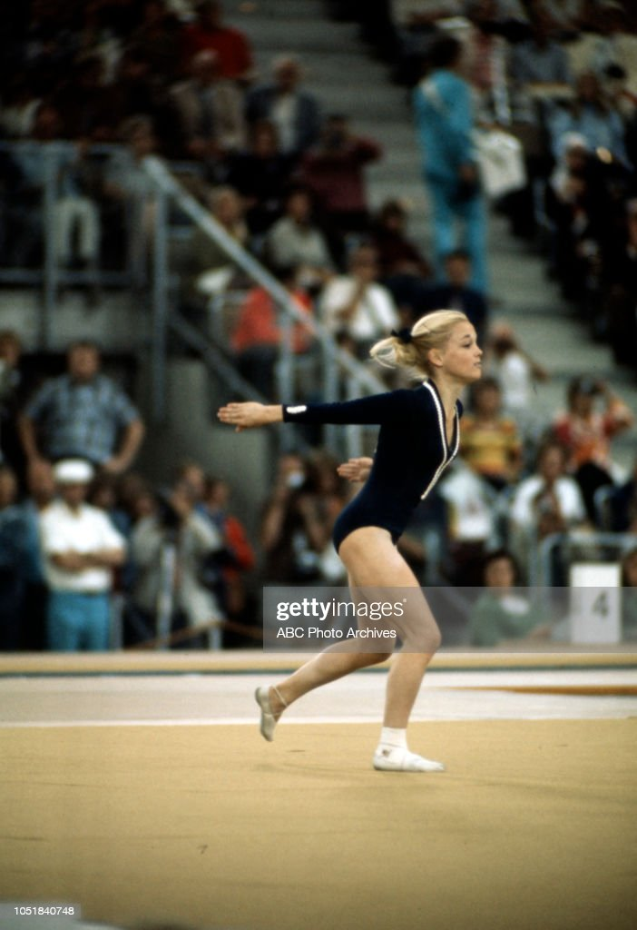 Cathy Rigby Competing In The 1972 Summer Olympics : News Photo