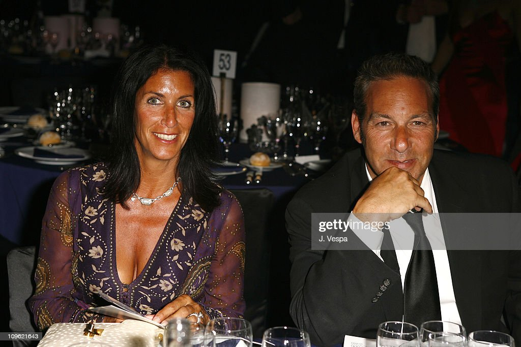 amfAR's Cinema Against AIDS Benefit in Cannes, Presented by Bold Films, Palisades Pictures and The Weinstein Company - Dinner : ニュース写真