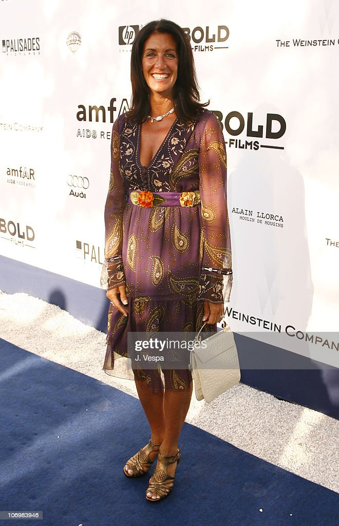 amfAR Cinema Against AIDS Benefit in Cannes, Presented by Bold Films, Palisades Pictures and The Weinstein Company - Red Carpet : Nachrichtenfoto