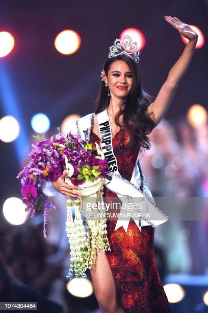 Catriona Gray of the Philippines waves to the audience after being crowned the new Miss Universe 2018 on December 17 2018 in Bangkok
