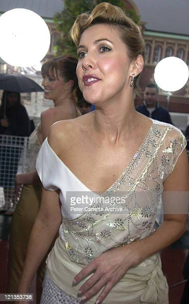 Catriona Rowntree arrives for the 2000 Emirates AFI Awards at Fox Studios on November 19 2000 in Sydney Australia