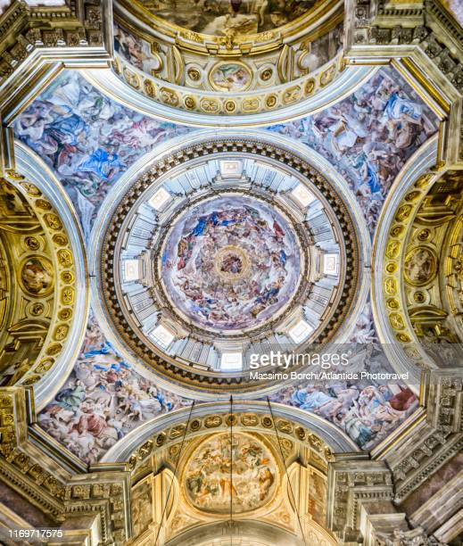 cattedrale (cathedral) metropolitana di santa maria assunta better known as duomo di napoli, the reale cappella del tesoro di san gennaro - image stock pictures, royalty-free photos & images