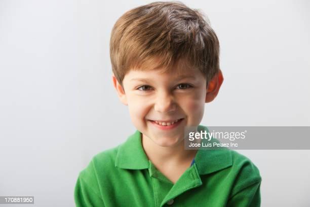caucasian boy smiling - 6 7 anni foto e immagini stock