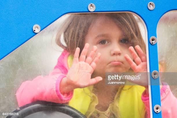 Caucásica niña en el Parque