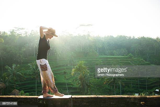 caucasian tourist over rural rice terrace, ubud, bali, indonesia - indonesia stock pictures, royalty-free photos & images