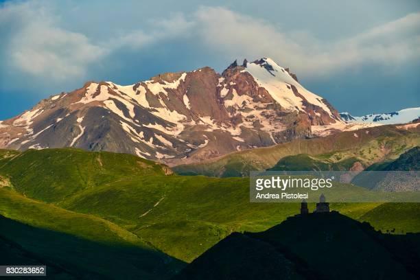 caucasus mountains, georgia - コーカサス ストックフォトと画像