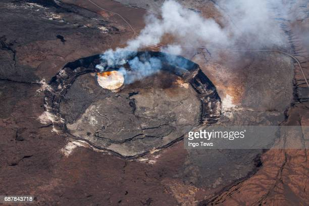 cauldrons of earth - volcanic crater stock pictures, royalty-free photos & images