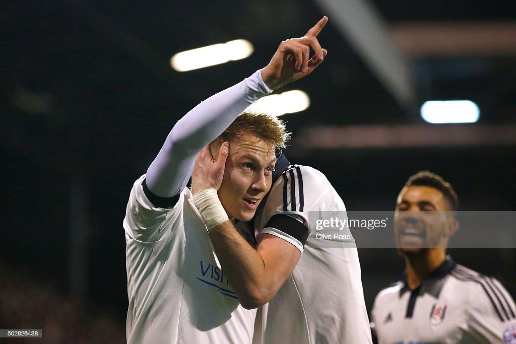 Fulham v Rotherham United   - Sky Bet Championship : News Photo