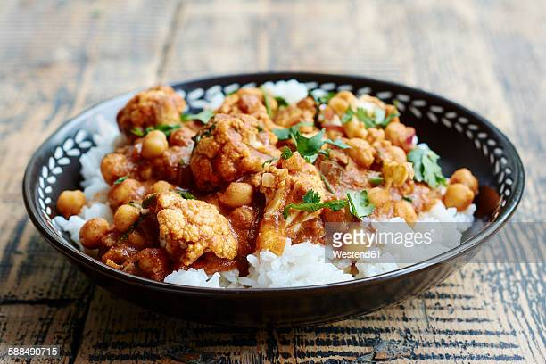 cauliflower chickpea tikka masala - indian food stock photos and pictures