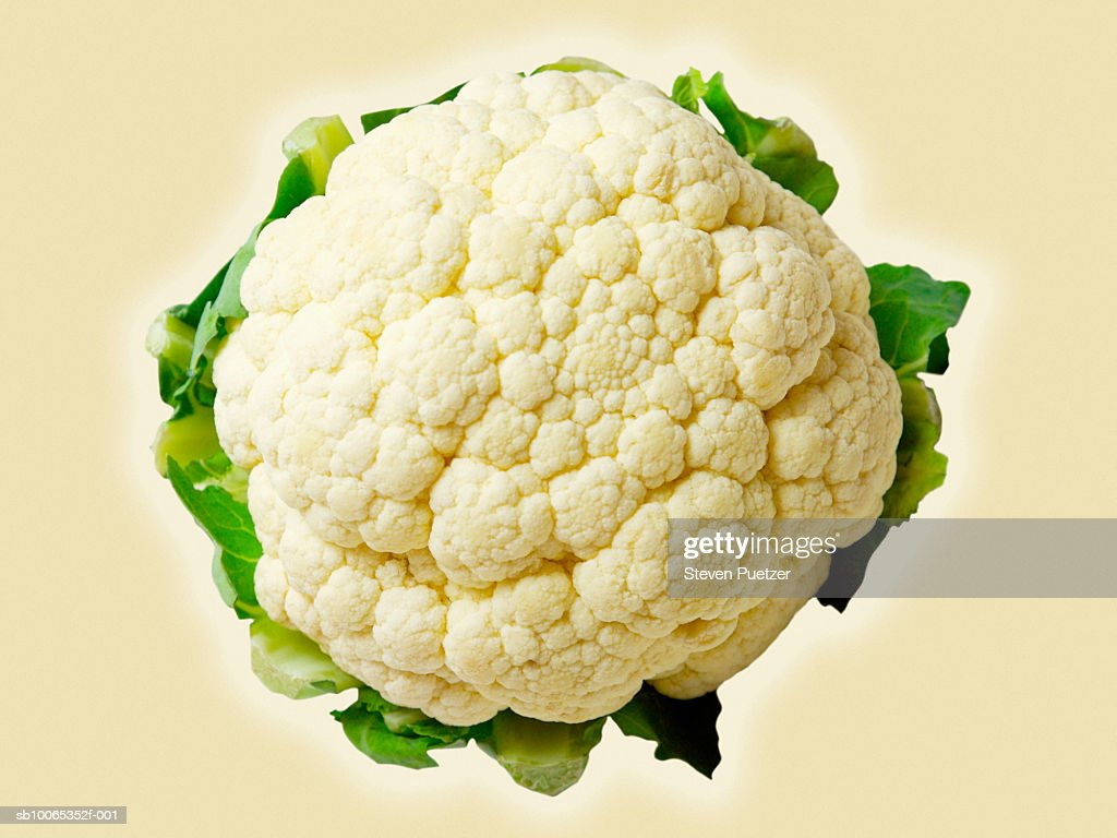 Cauliflower on beige background, directly above : Foto stock