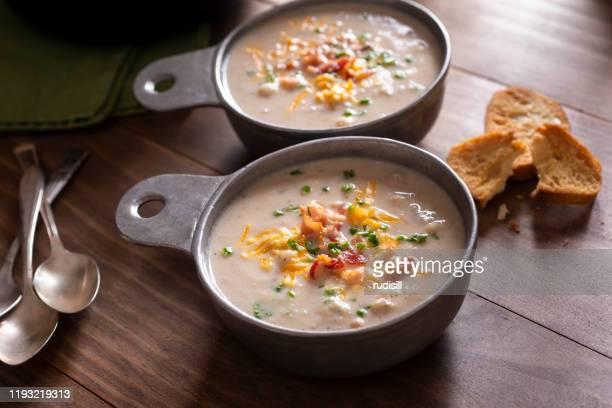 カリフラワースープ - ダッチオーブン ストックフォトと画像