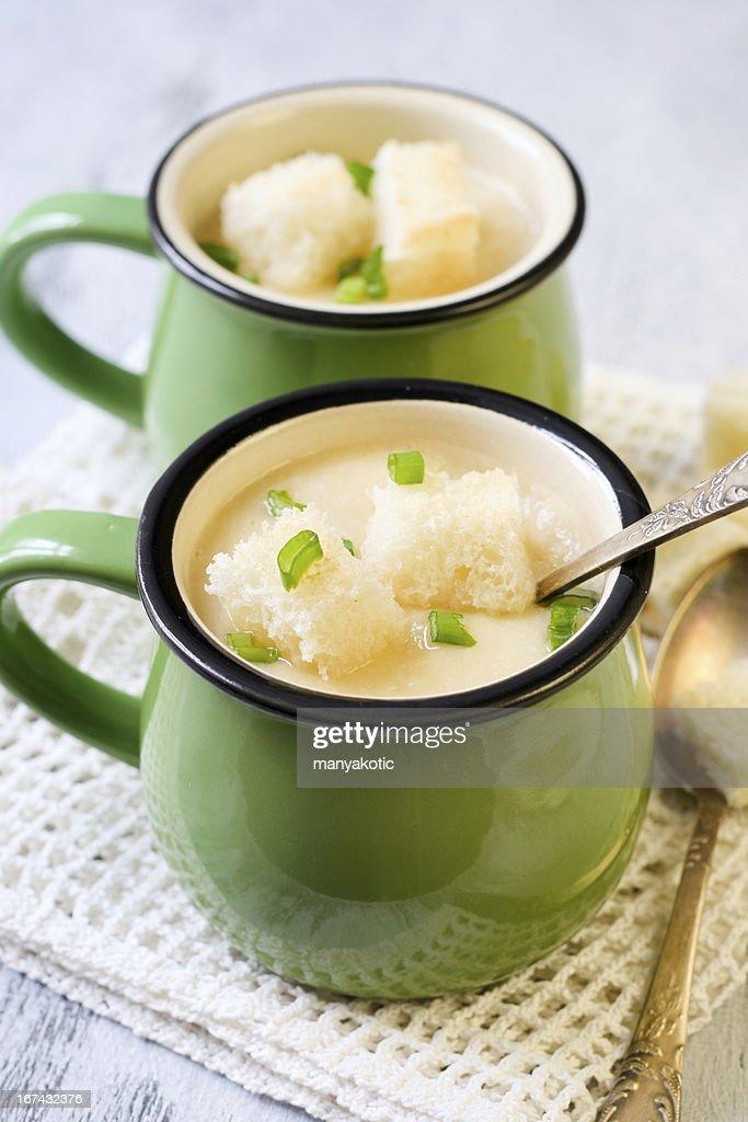 Cauliflower soup : Stock Photo