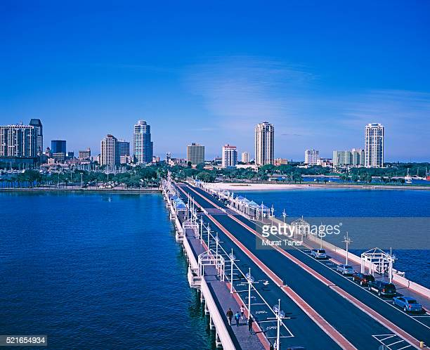 causeway leading to st. petersburg - st. petersburg florida stock pictures, royalty-free photos & images