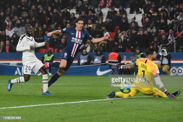 Cavani Edinson Roberto of PSG in action before his goal during the Ligue 1 match between Paris SaintGermain and Girondins Bordeaux at Parc des...
