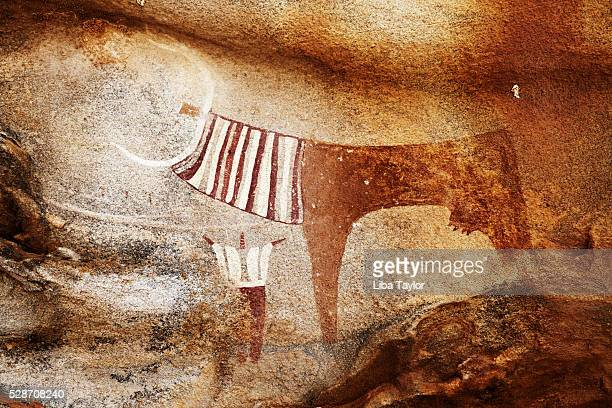 cave paintings in laas gaal - prehistoric era stock pictures, royalty-free photos & images