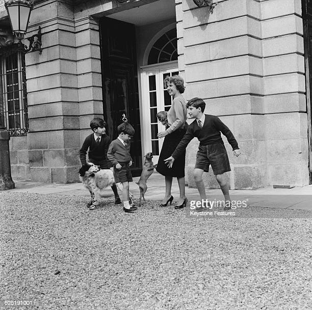 Cayetana FitzJames Stuart 18th Duchess of Alba with her three sons at the Liria Palace Madrid 17th March 1959 The boys are Jacobo FitzJames Stuart...