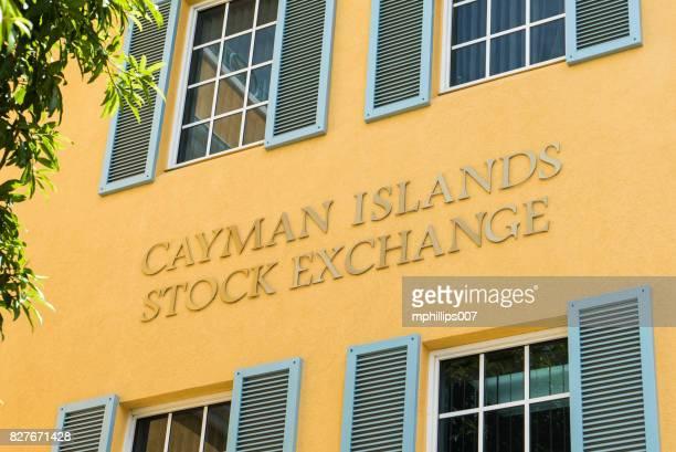 cayman island börse - grand cayman-insel - tax fraud stock-fotos und bilder