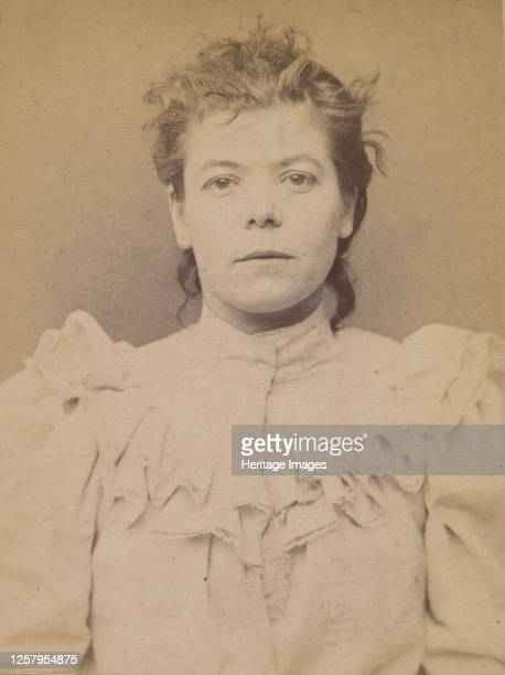 Cazal. Antoinette. 28 ans, n�e � Salgouz . Couturi�re. Anarchiste. 28/2/94, 1894. Artist Alphonse Bertillon.