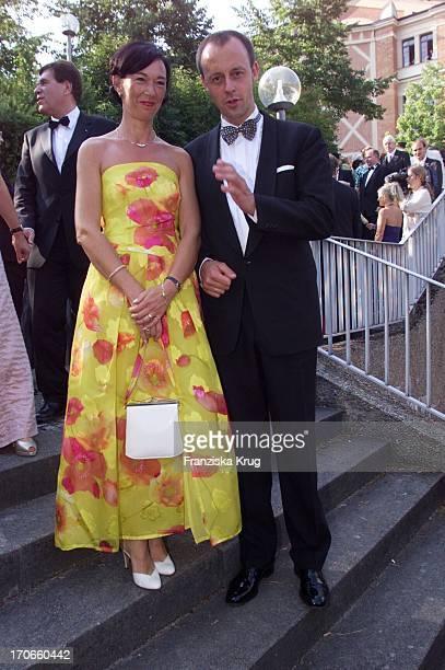 Cdu Fraktionsvorsitzender Friedrich Merz Ehefrau Charlotte Bei Der Eröffnung Der Richard Wagner Festspiele In Bayreuth Am 250701