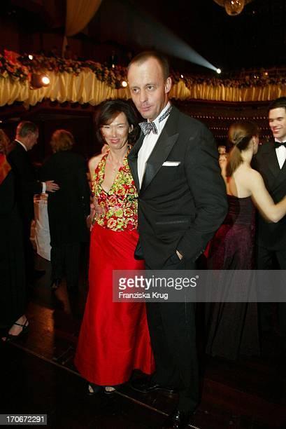 Cdu Politiker Friedrich Merz Mit Ehefrau Charlotte Beim Frankfurter Opernball