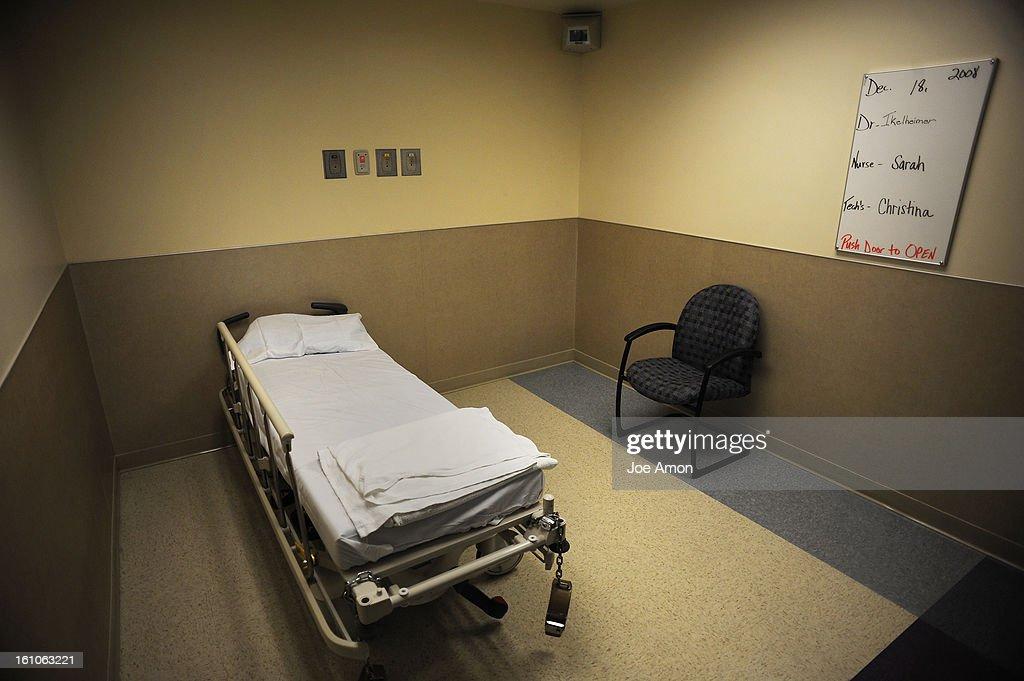 KL) cdxxpsych18d An observation room in the Denver Health ...