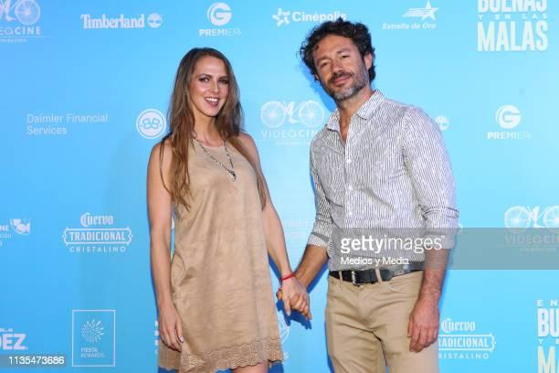 Ceci Ponce and Francisco Covarrubias poses for photos during the red carpet of the film 'En las Buenas y en las Malas' on March 12, 2019 in Mexico...