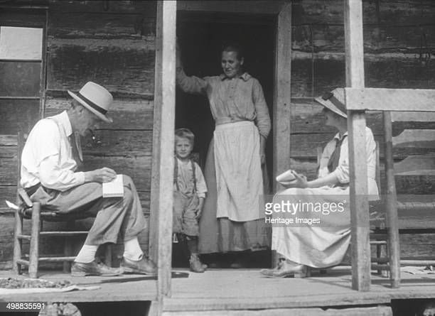 Cecil Sharp Maud Karpeles and Lucindy Pratt Hindman Knott County Kentucky USA 19161918 British musician Cecil Sharp and his assistant Dr Maud...