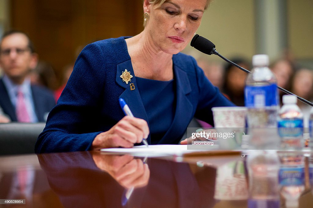 Cecile Richards, president of Planned Parenthood Federation of America Inc., writes a note during a House Oversight and Government Reform Committee hearing in Washington, D.C., U.S., on Tuesday, Sept. 29, 2015. Conservative House Republicans have demanded a government shutdown if lawmakers don't defund Planned Parenthood, the women's reproductive health-care provider whose services include abortion. Photographer: Andrew Harrer/Bloomberg via Getty Images