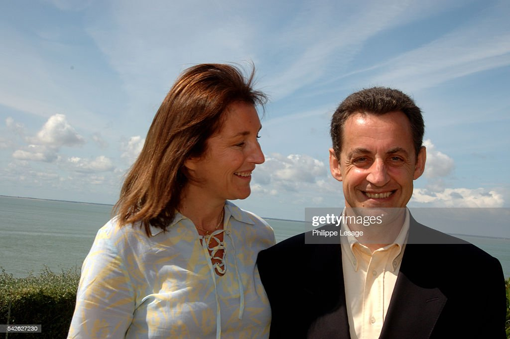 Cecilia and Nicolas Sarkozy spend the week-end in Meschers, near Royan, where they opened the restoration of the troglodytes caves of Reglus. | Location: Meschers, Charente Maritime, France.