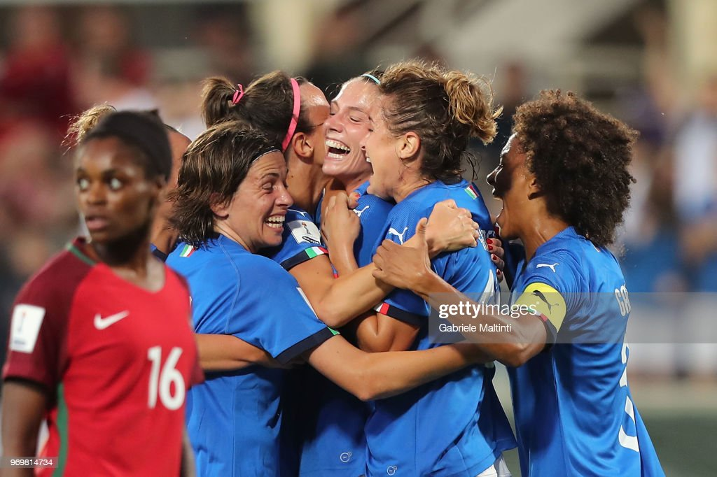Italy v Portugal - 2019 FIFA Women's World Cup Qualifier : News Photo