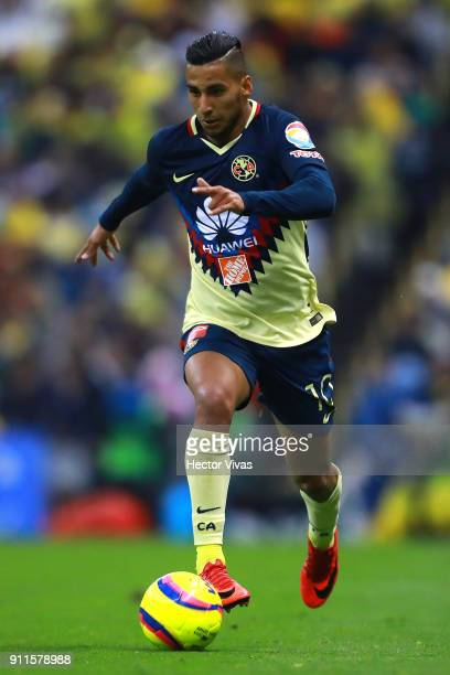 Cecilio Dominguez of America drives the ball during a match between America and Atlas as part of the 4th round of the Torneo Clausura 2018 Liga MX at...