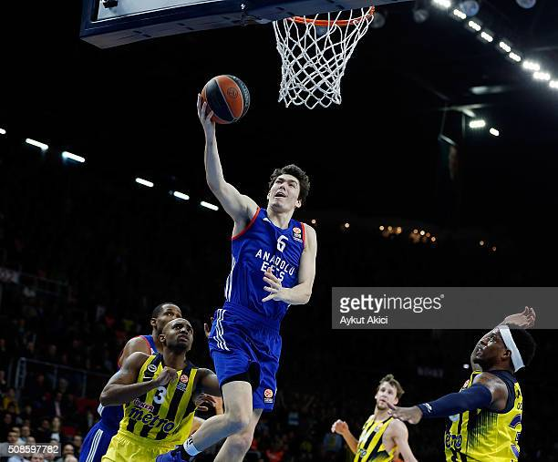 Cedi Osman #6 of Anadolu Efes Istanbul in action during the Turkish Airlines Euroleague Basketball Top 16 Round 6 game between Anadolu Efes Istanbul...