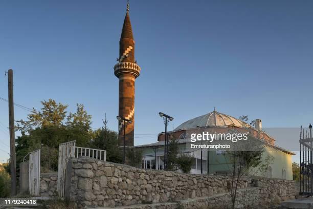 cedid mosque in edremit at sunset near van lake. - emreturanphoto - fotografias e filmes do acervo