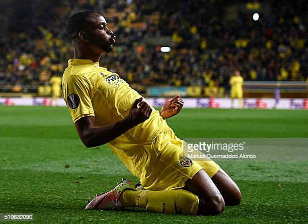 Cedric Bakambu of Villarreal celebrates scoring his team's first goal during the UEFA Europa League Quarter Final first leg match between Villarreal...