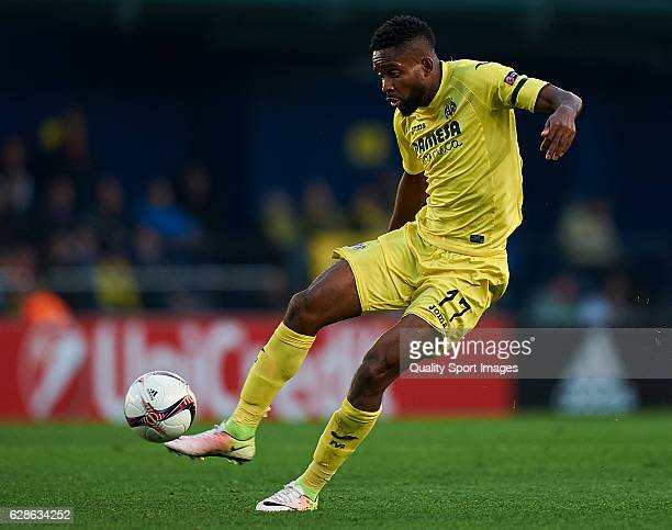 Cedric Bakambu of Villarreal in action during the UEFA Europa League match group L between Villarreal CF and FC Steaua Bucuresti at El Madrigal on...