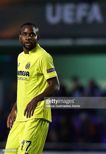 Cedric Bakambu of Villarreal looks on during the UEFA Europa League Group K match between Villarreal CF and FC Dinamo Minks at El Madrigal Stadium on...