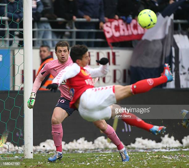 Cedric Carrasso goalkeeper of Bordeaux in action during the French Ligue 1 match between Stade de Reims and Girondins de Bordeaux at the Stade...