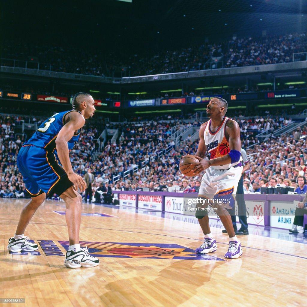 Detroit Pistons v Phoenix Suns : News Photo