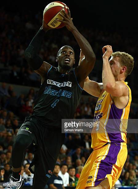 Cedric Jackson of the Breakers drives to the basket during the round eight NBL match between New Zealand Breakers and Sydney Kings at Vector Arena on...