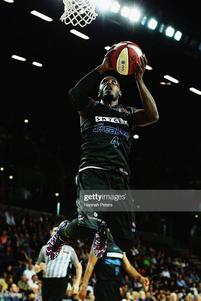 NBL Rd 2 - New Zealand v Adelaide : News Photo