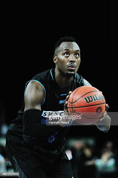Cedric Jackson of the Breakers shoots during the round one NBL match between the New Zealand Breakers and the Townsville Crocodiles at Vector Arena...