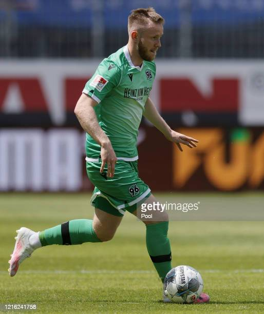 Cedric Teuchert of Hannover runs with the ball during the Second Bundesliga match between SV Sandhausen and Hannover 96 at BWTStadion am Hardtwald on...