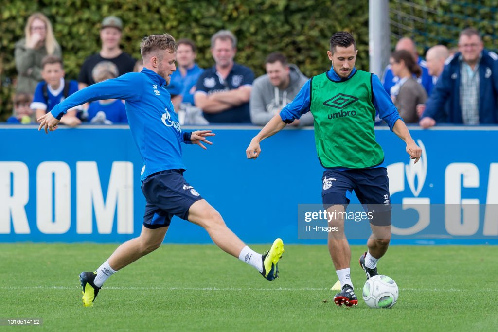 Schalke 04 Training Session