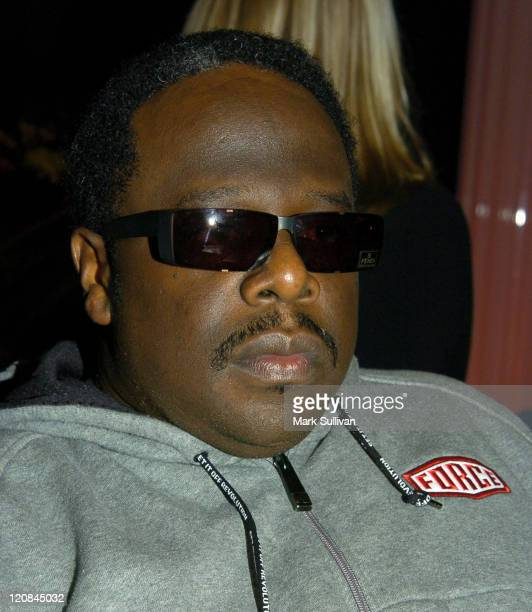 Cedric The Entertainer in Backstage Creations Talent Retreat at 2004 Motown 45 Special