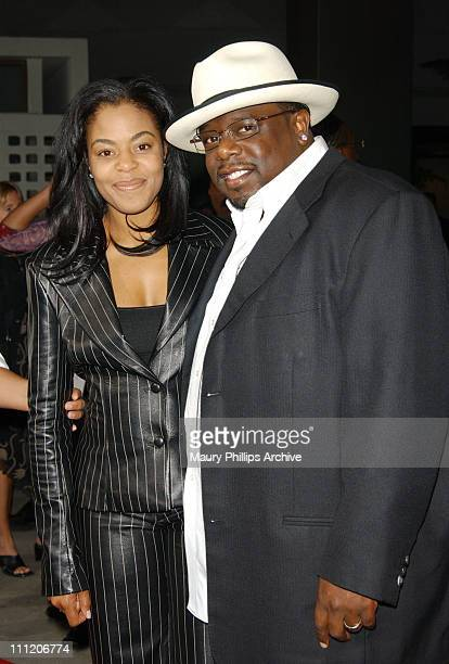 Cedric the Entertainer wife Lorna during 'Barbershop' Premiere Los Angeles at Archlight Cinerama Dome in Hollywood California United States