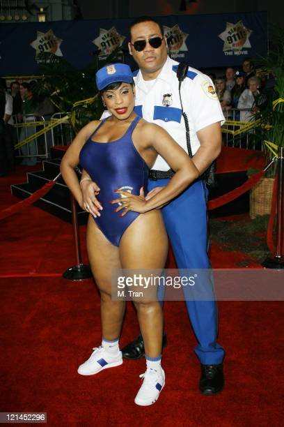 Cedric Yarbrough and Niecy Nash during 'Reno 911 Miami' Los Angeles Premiere Arrivals at Grauman's Chinese Theater in Hollywood California United...