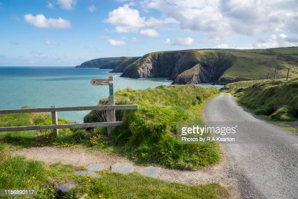 ceibwr bay, pembrokeshire, wales - coastline stock pictures, royalty-free photos & images